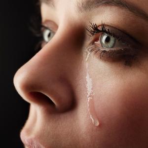 shutterstock_womancrying